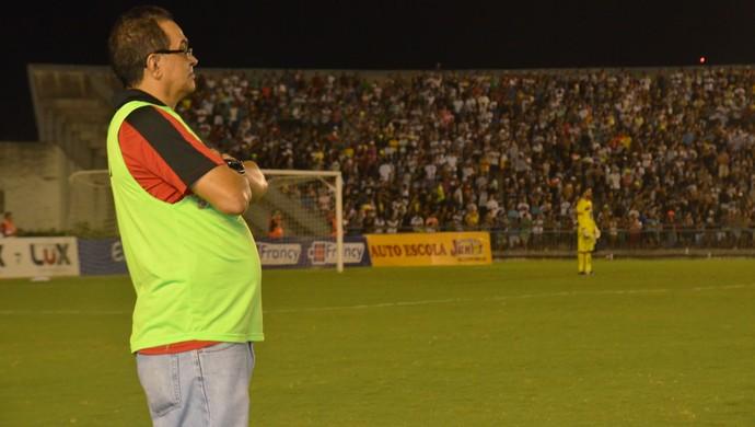 Francisco Diá, técnico do Campinense (Foto: Cadu Vieira / GloboEsporte.com/pb)