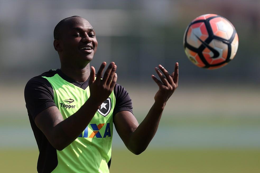 Sassá está afastado do Botafogo (Foto: Vitor Silva/SSPress/Botafogo)