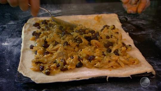 Panela de Bairro ensina receita de empanada de bacalhau com vieiras galegas
