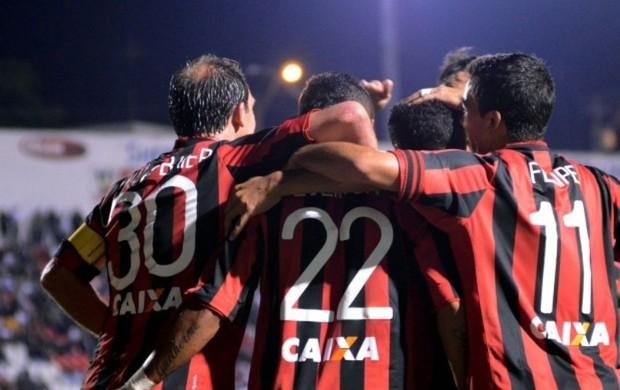Atlético-PR vence a Ponte Preta (Foto: Site oficial do Atlético-PR/Gustavo Oliveira)