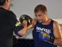 Boxeador e ex-UFC, Maldonado prevê nocaute de Mayweather em McGregor