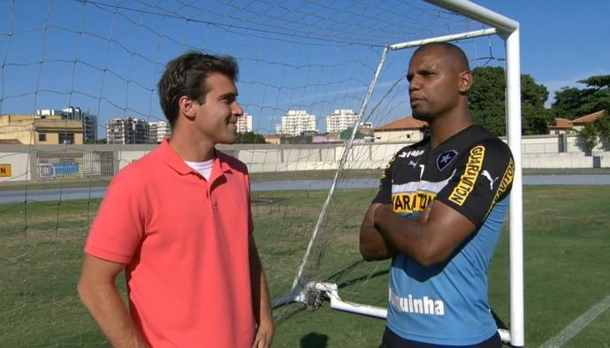 Repórter Thiago Asmar e Jefferson (Foto: Reprodução TV Globo)