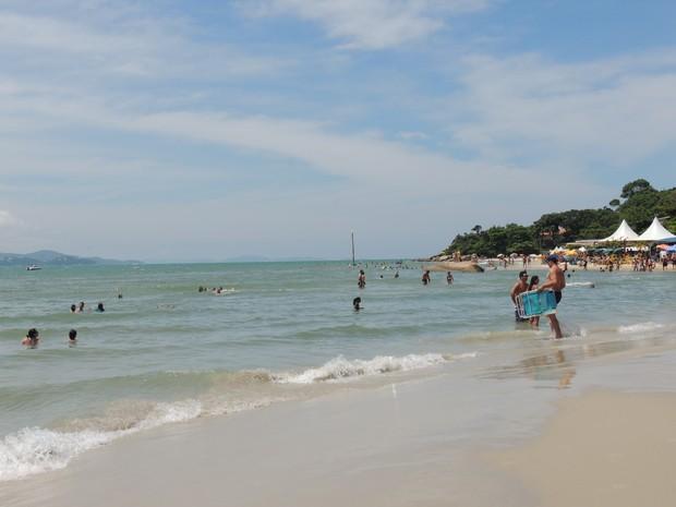 Praia do Forte agrada pela tranquilidade e natureza  (Foto: Valéria Martins/G1)