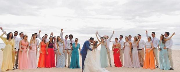 Yanna Lavigne e Bruno Gissoni entre convidados de casamento no litoral de SP (Foto: Reprodução/Instagram)