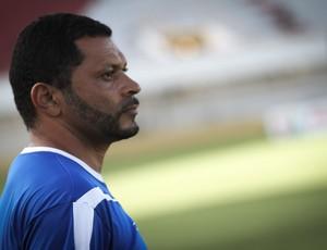 Rocha ficou satisfeito com o desempenho do time na estreia (Foto: Filippe Araujo/Divulgação)
