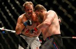 Em luta vaiada, Roy Nelson encerra série negativa e bate Rosholt (Getty Images)