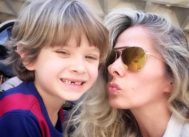 Sorriso banguelinha de Vittorio chama a atenção em foto de Galisteu