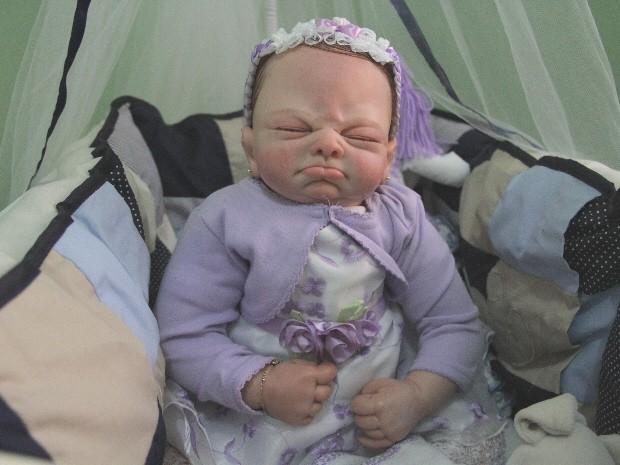 Artesã de Caçapava produz bonecas com semelhança a bebês reais (Foto: Carlos Santos/G1)