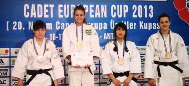 Aine Schmidt foi campeã na Turquia (Foto: Divulgação)