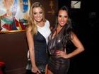 Ex-BBBs Monique e Kelly curtem festa em São Paulo