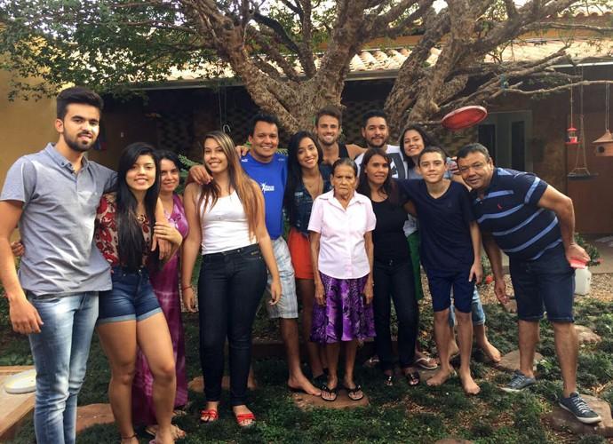 Família de Talita recebeu rafael em Goiânia (Foto: Arquivo Pessoal)