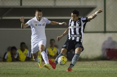Botafogo x Santos Arena Botafogo Dudu Cearense Jean Mota (Foto: ARMANDO PAIVA/AGIF/ESTADÃO CONTEÚDO)