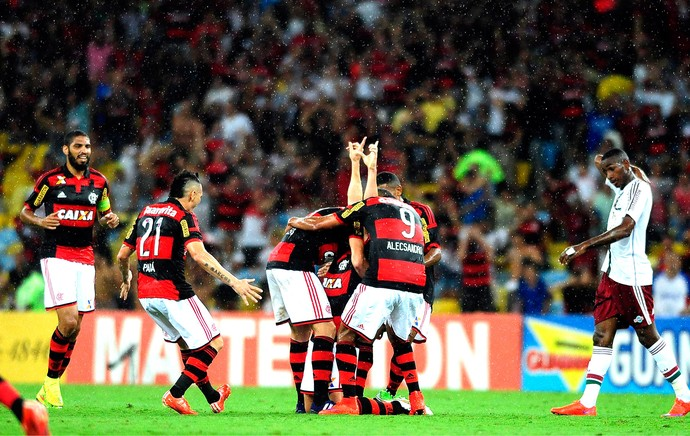 Jonas comemora gol do Flamengo contra o Fluminense (Foto: Dhavid Normando / Futura Press)