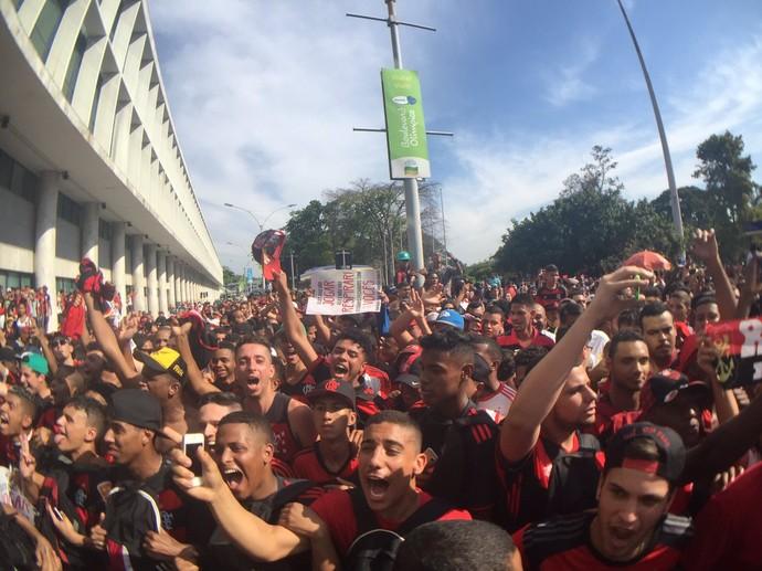 Flamengo torcida santos dumont (Foto: Richard Souza / GloboEsporte.com)