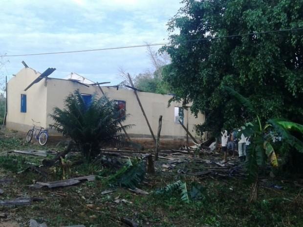 Casas também foram atingidas por forte ventania (Foto: Sindicato Rural do Vale do Ribeira/Divulgação)