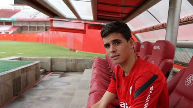 Oscar, meia do Inter (Foto: Diego Guichard / GLOBOESPORTE.COM)