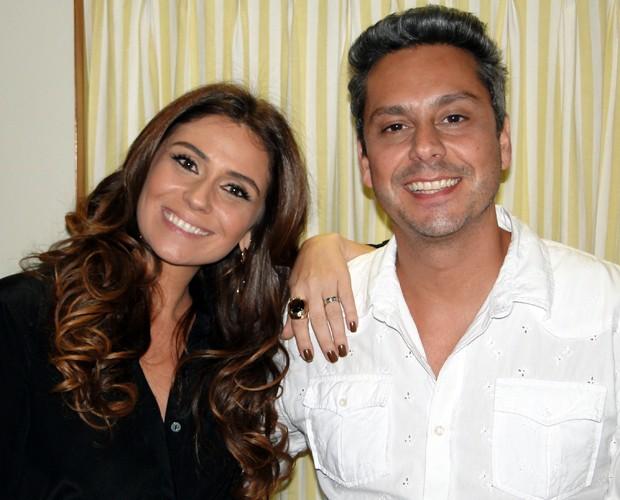 Giovanna Antonelli e Alexandre Nero nos bastidores (Foto: Domingão do Faustão / TV Globo)