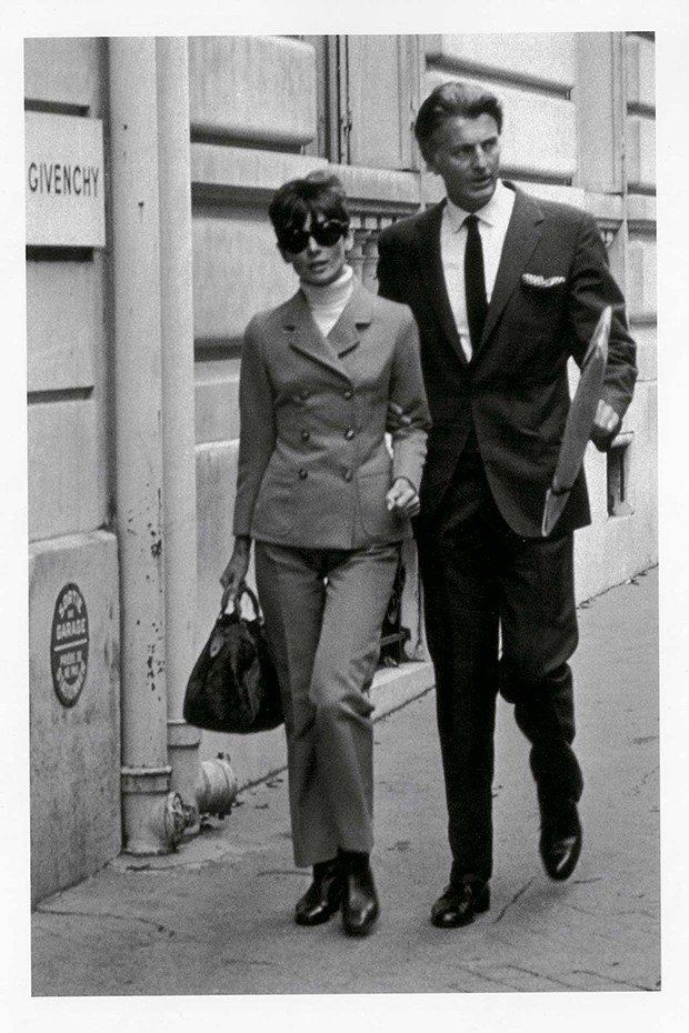 Hubert de Givenchy and Audrey Hepburn in Paris, 1960s (Foto: FROM THE COLLECTION OF HUBERT DE GIVENCHY)