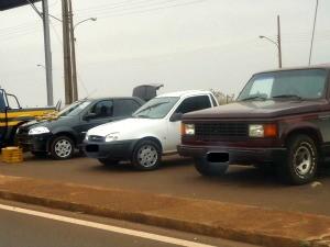 Carros apreendidos pela PRF foram encaminhados para a Polícia Federal de Ponta Porã. (Foto: Divulgação/PRF)