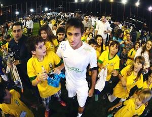 Neymar inauguração quadra (Foto  Marcos Ribolli   Globoesporte.com) c6ab93cd0814d