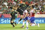 Com gol carateca, México vence Paraguai em amistoso nos EUA