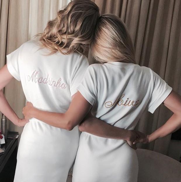 Ana Hickmann e Ticiane Pinheiro posam juntas horas antes do casamento (Foto: Reprodução/Instagram)