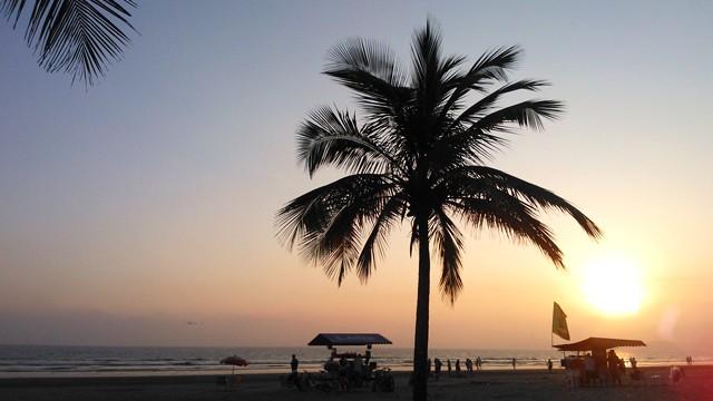Pôr do sol na praia de Santos, SP (Foto: Priscila Martinez)