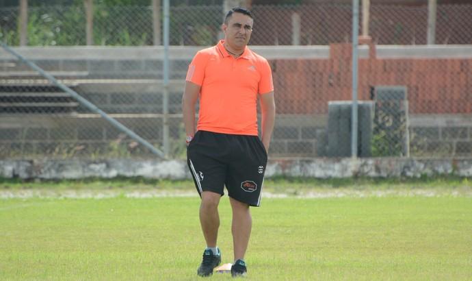 Wendel Freitas técnico Usac Suzano (Foto: Cairo Oliveira)