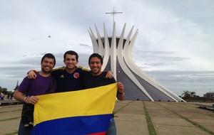 Torcida Colômbia em Brasília (Foto: Thiago Lavinas)