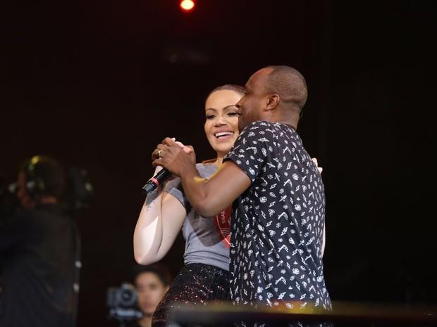 Solange Almeida e Thiaguinho em show  por Fortaleza, no Ceará (Foto: Nara Fassi/ Ag. FPontes/ Divulgacao)