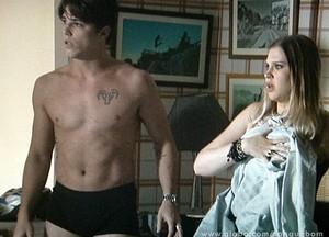 Babou, Tito! D´amáris não quer saber de pegação na casa dela! (Foto: Sangue Bom / TV Globo)