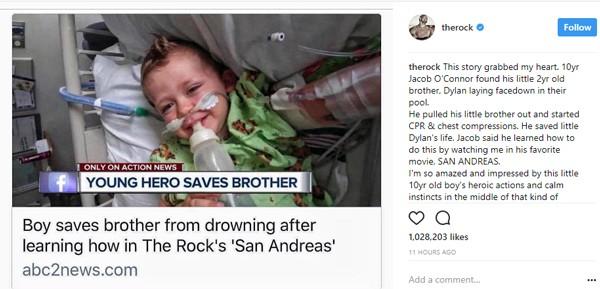 Garoto salva vida de irmão com técnicas de primeiros socorros de filme com The Rock; ator se emociona (Foto:  )