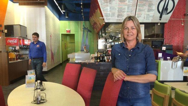 Há 12 anos em Orlando, Vera Giatti começou como faxineira; hoje, tem dois restaurantes (Foto: BBC Brasil)