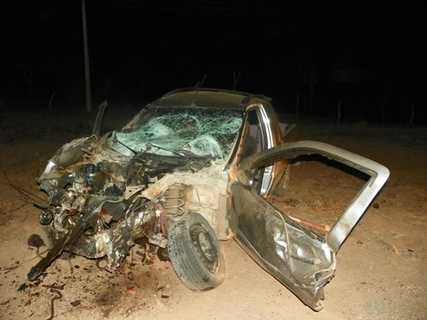 Acidente na AL 220 deixou dois mortos e 14 feridos (Foto: Fábio Guedes/Maisnotícias/Cortesia)