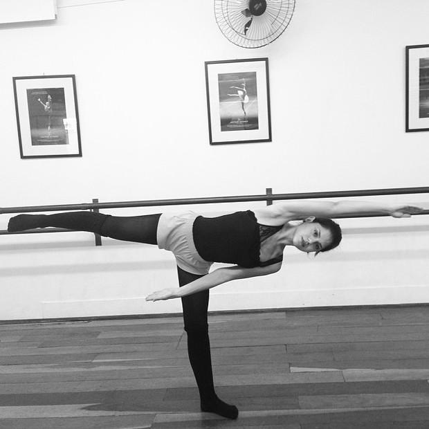 Jessika Alves faz aula de dança (Foto: Reprodução/Instagram)