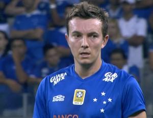 Dagoberto em ação pelo Cruzeiro, na partida contra o Santa Rita-AL pela Copa do Brasil (Foto: Reprodução/Sportv)