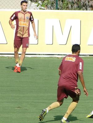 Fillipe Soutto e Serginho treinam no Atlético-MG (Foto: Fernando Martins / Globoesporte.com)