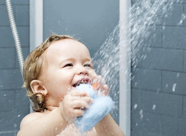O sabonete usado pela criança deve atender as necessidades da pele dela  (Foto: Thinkstock)