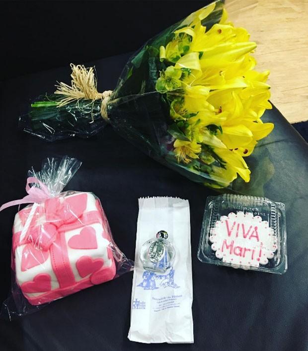 Marilene Saade ganha presentes no aniversário  (Foto: Reprodução)