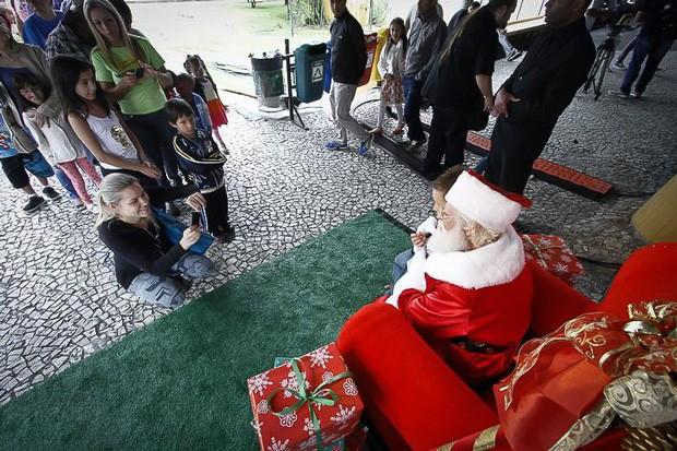Criançada se divertiu bastante e ainda teve tempo para falar com o Papai Noel (Foto: Euricles Macedo/RPC TV)