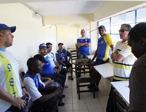 Torcida diretoria reunião São José Copa Paulista (Foto: Danilo Sardinha/Globoesporte.com)