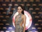 Carol Castro usa vestido supersexy em evento em Las Vegas