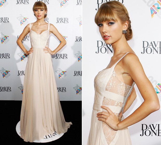 Taylor Swift, com vestido Elie Saab  (Foto: Getty Images)