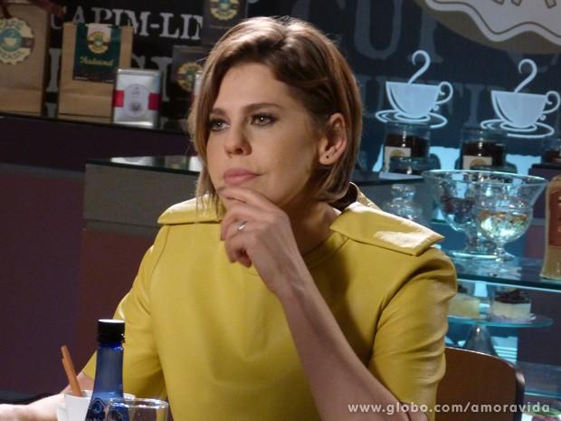Edith exige que Félix implore de joelhos para ela voltar para mansão (Foto: Amor à Vida / TV Globo)