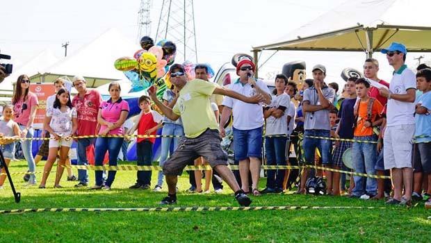 Venha se divertir no 8º Torneio Sul-Americano de Arremesso de Celular (Foto: Divulgação)