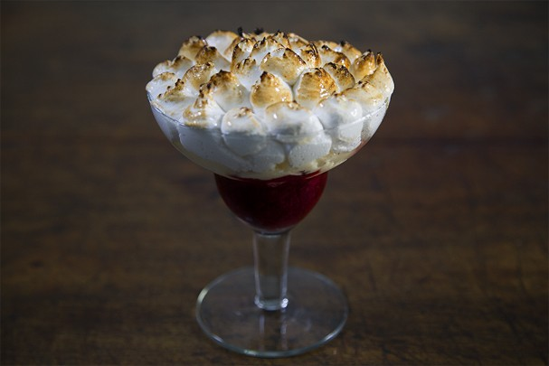 Surpresa de berry: sobremesa deliciosa, criativa e muito rápida!