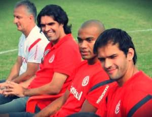 Dorival Júnior, Fernandão, Rodrigo Moledo e Muriel no CT do Internacional (Foto: Daniel Cardoso)