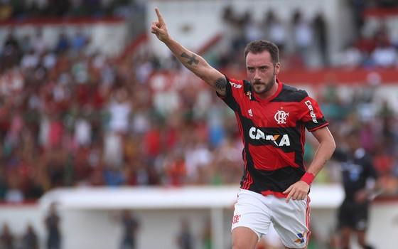 Flamengo e Caixa: o contrato foi renovado para a temporada de 2017 (Foto: Gilvan de Souza / Flamengo)