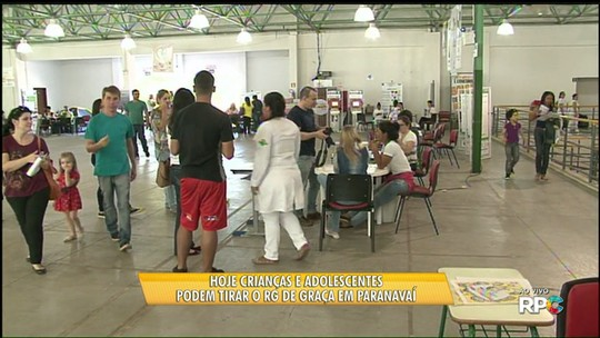 Feira oferece serviços gratuitos a moradores de Paranavaí