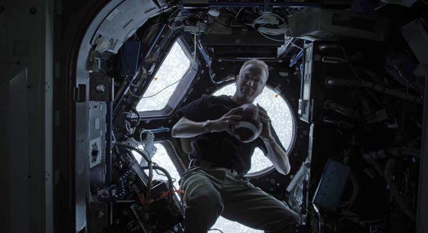 Astronauta da NASA (Foto: Reprodução/Youtube)